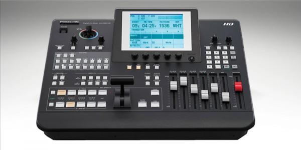 PANASONIC AG HMX100 – 7 inputs: 4 HD/SD SDI / 2 HDMI / 1 DVI-I 6 outputs: 4 SDI / DVI-D